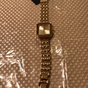 Beautiful watch with removable links gold square